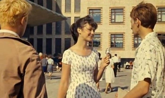 Давайте посмотрим на места съемок старых советских фильмов тогда и сейчас