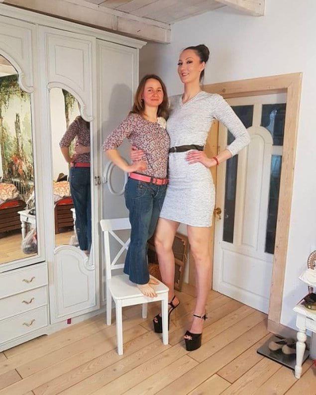 Ноги от ушей: как живётся девушке с самыми длинными ногами в мире?
