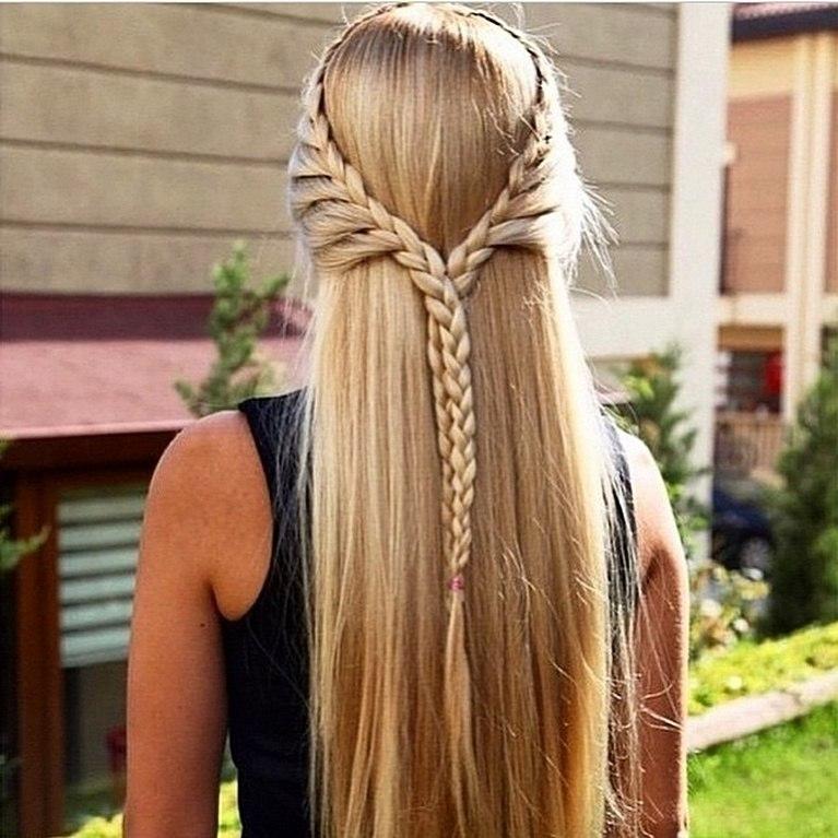 Как сделать косы на распущенными волосами 631
