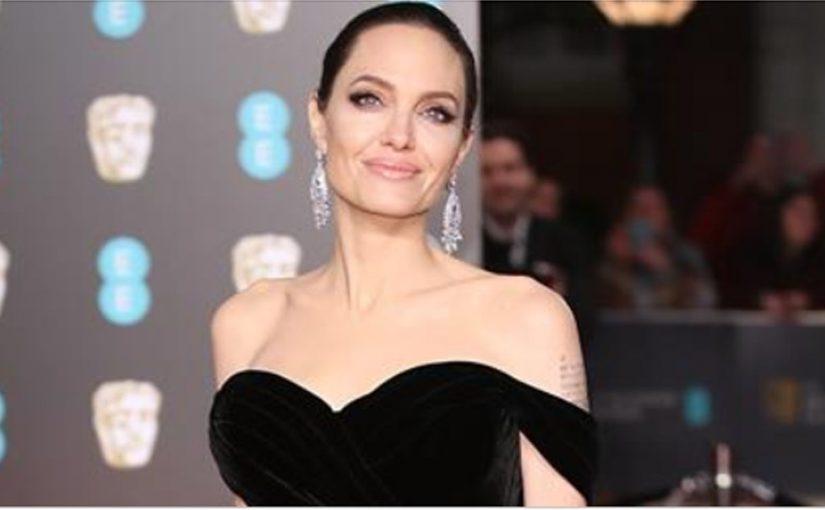 Глаз не отвести: Анджелина Джоли на премии BAFTA-2018