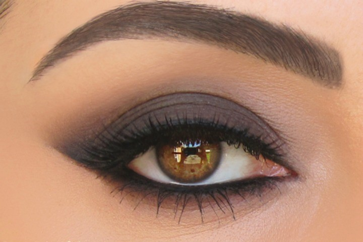 Как создать идеальный макияж с помощью серого карандаша для глаз
