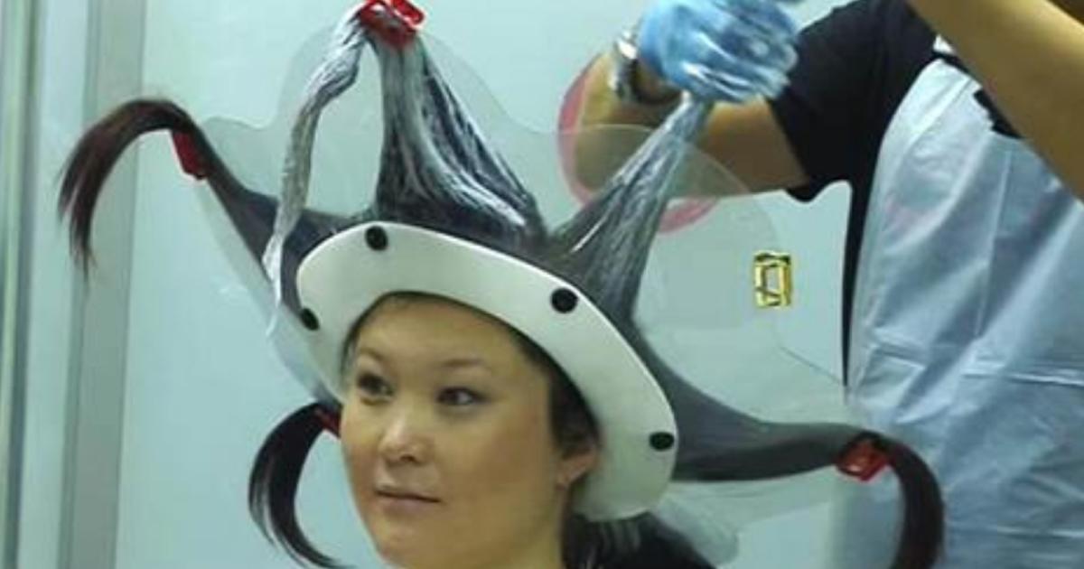 Оригинальный и странный способ окрашивания волос стремительно набирает популярность