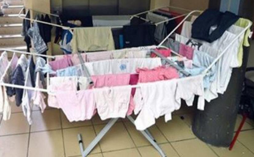 Вот почему нельзя сушить бельё просто в квартире!