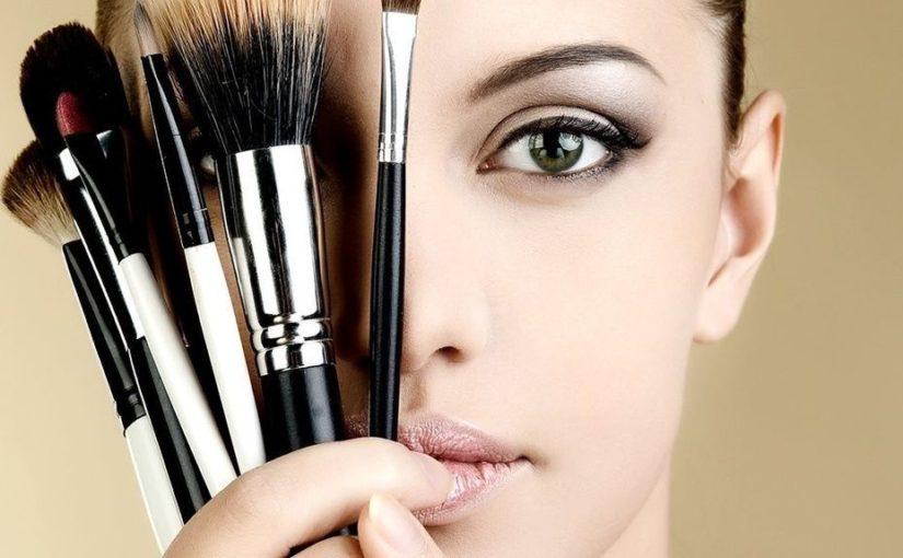 Круче люкса: 10 бюджетных продуктов для макияжа, которые обожают визажисты