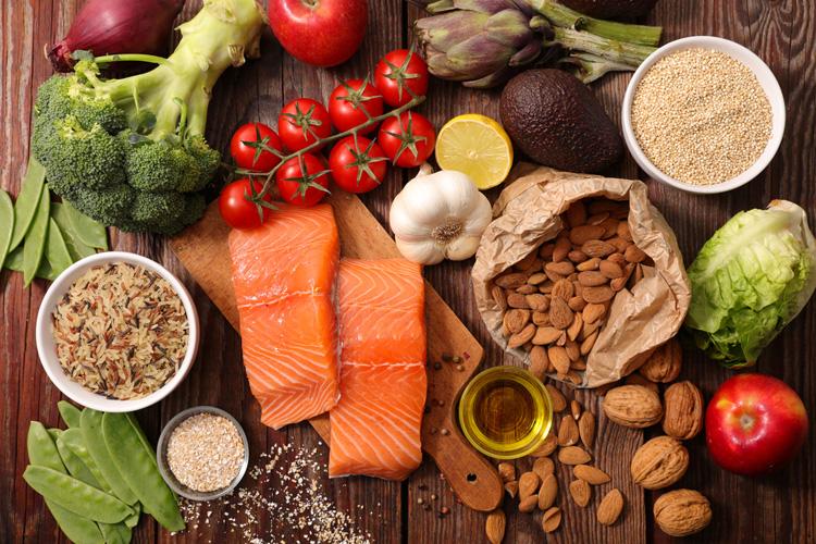 Правильное и «вредное» время для 11 привычных продуктов