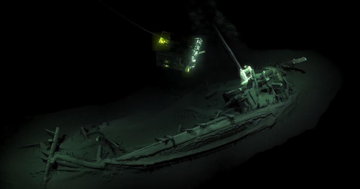 В Черном море нашли самый древний корабль.