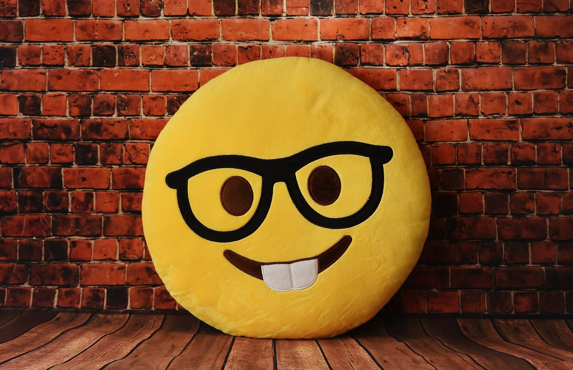 14 СМС от людей, которые живут в трех стихиях: сарказм, юмор и остроумие
