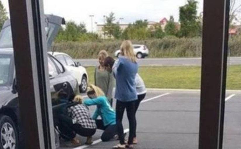 13 забавных случаев, когда за рулем авто дамы