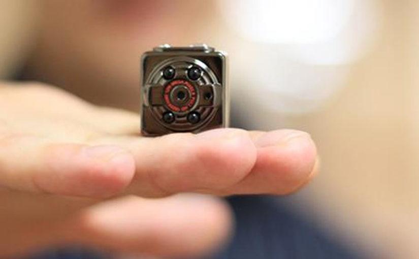 Как обнаружить в съёмной квартире скрытые камеры наблюдения
