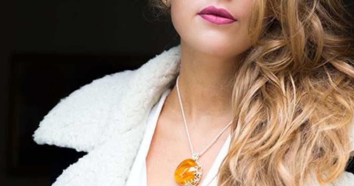 Как носить украшения из янтаря: драгоценности, внутри которых живет солнце