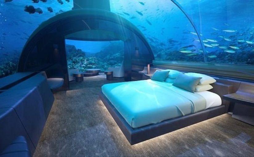 На Мальдивах появилась первая в мире подводная вилла (5 фото )