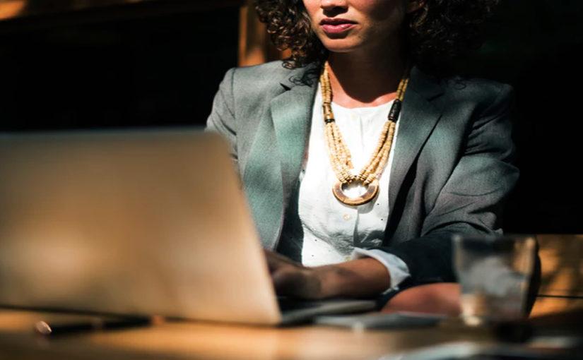 Стильные деловые образы для женщин 40-50 лет 2019-2020