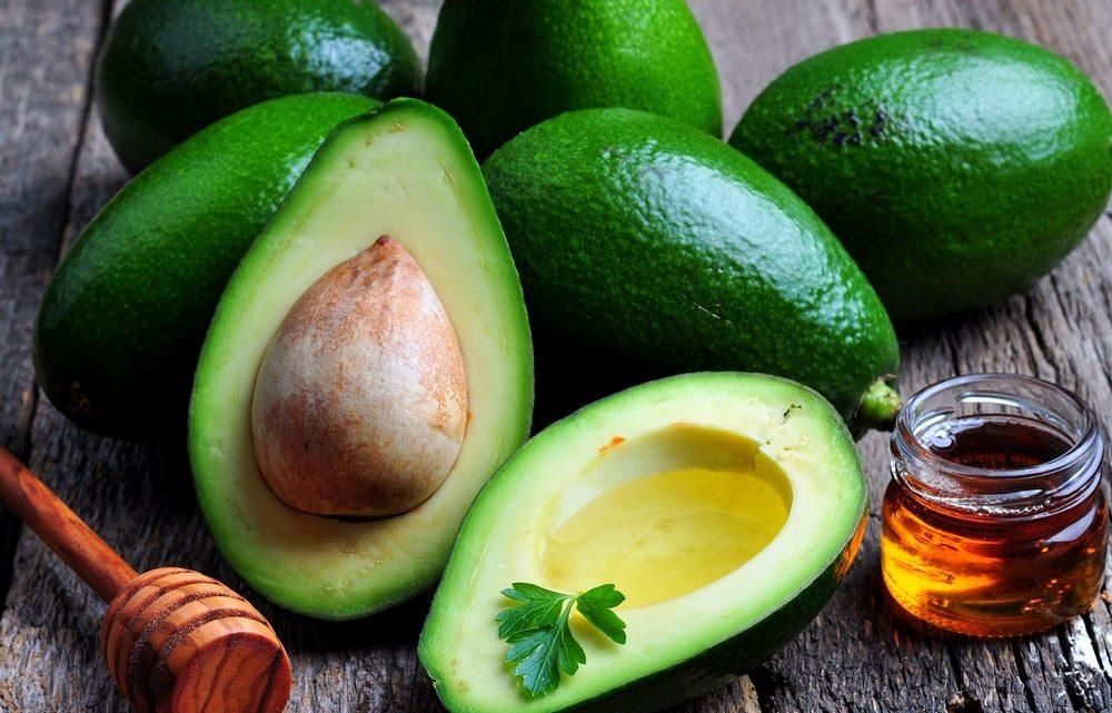 10 полезных масок для лица из авокадо