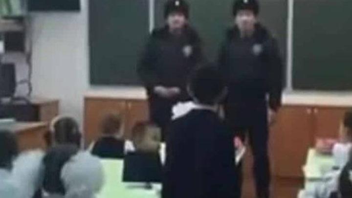 История о двух полицейских, которые пришли на урок в школу и были удивлены вопросом одного мальчика