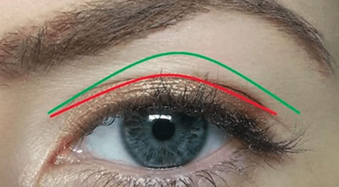 Советы, как правильно делать макияж при нависающем верхнем веке